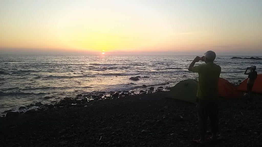 礼文島から見る落ち日