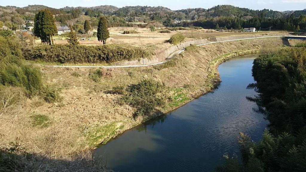 トロッコ列車から眺める『養老川』
