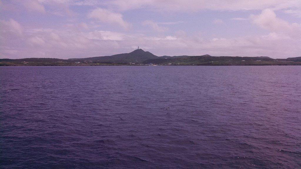 新フェリーから望む与那国島