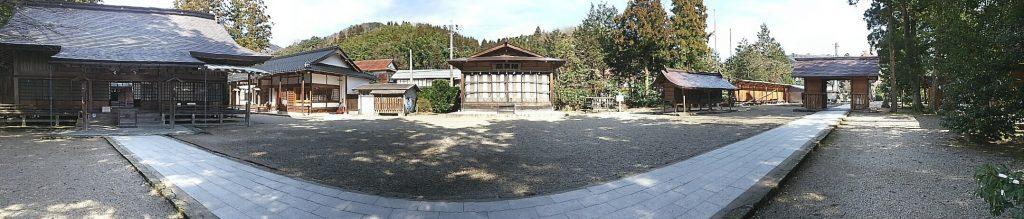 須佐神社境内