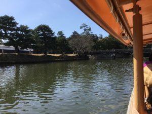 遊覧船から観る松江城