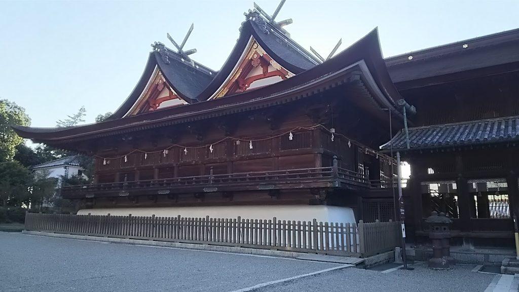 国宝の本殿・拝殿 室町時代1425年に再建 建築様式は通称「吉備津造」