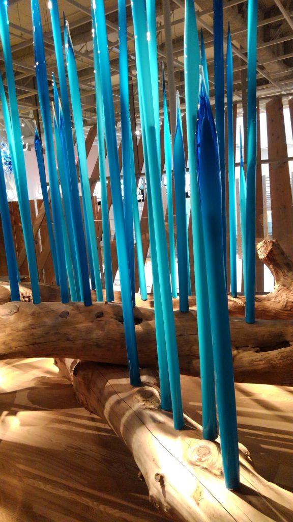 空間芸術 グラスアート 先日の富山日帰りに立ち寄った美術館にて 題名はトヤマ・リーズ ※本文とは関係ありません。